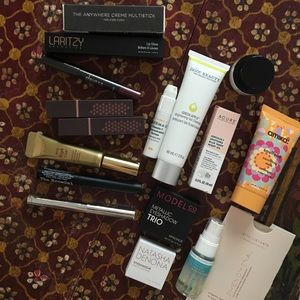 Make Up Bundle with Free Cosmetics Bag